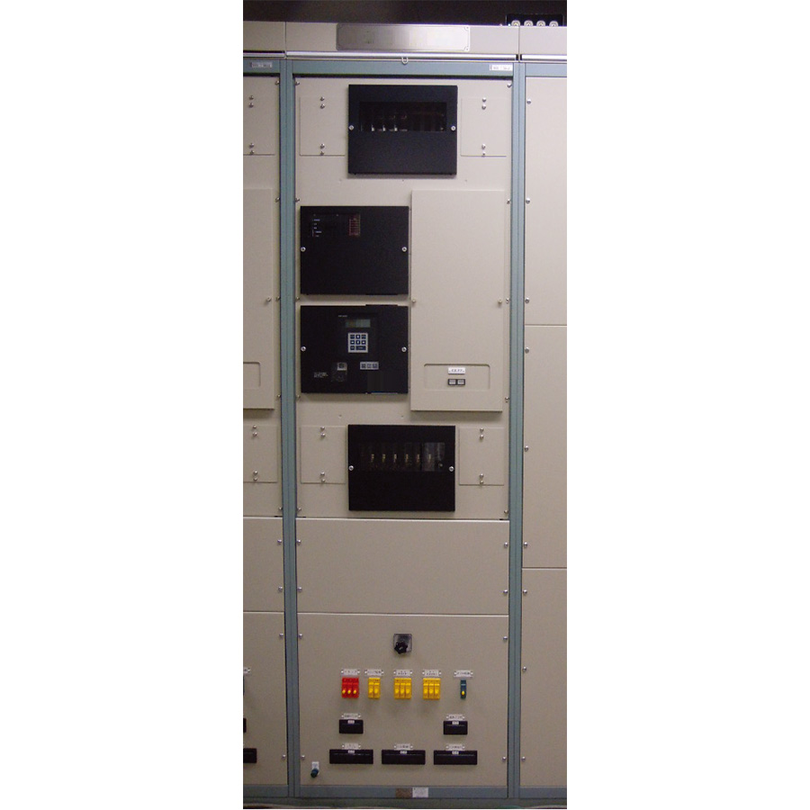 Digital transmission line protection relay for ultra-high-voltage substation
