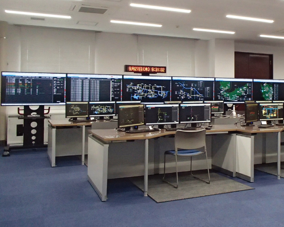 [3] Large screen display and monitoring/control panels for Tohoku EPCO's Hydropower Operation Center Southern System