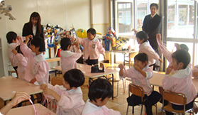 """Kids Science class"" and publication of teaching materials (Hitachi Chemical Co., Ltd.)"